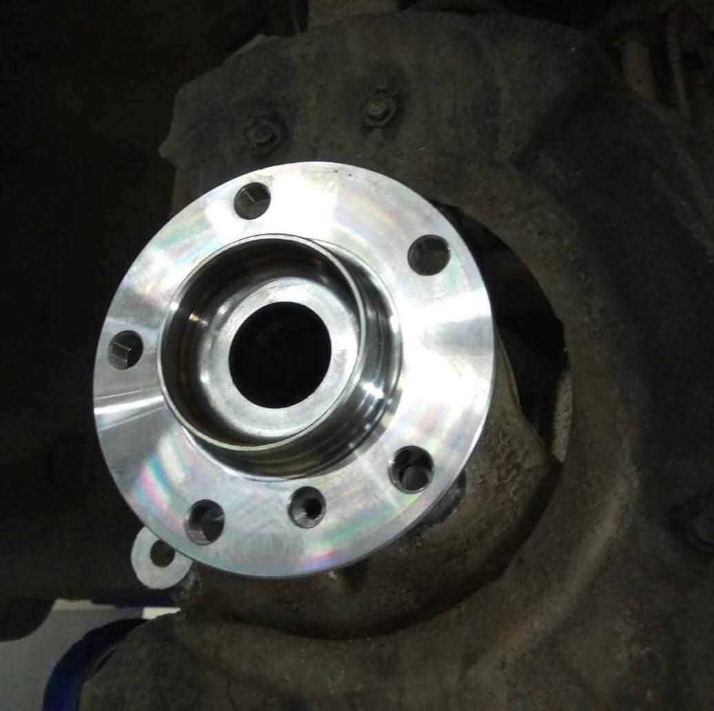 замена подшипника переднего правого колеса у BMW F10