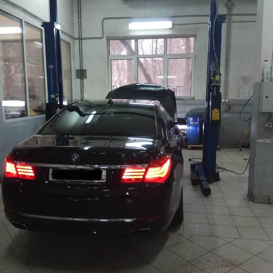 Стук в секции нижней секции рулевого вала BMW 740 F02