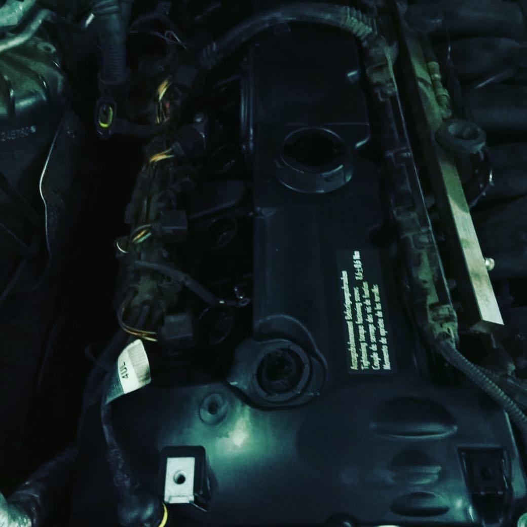 замена клапанной крышки из-за не рабочего клапана вентиляции на БМВ