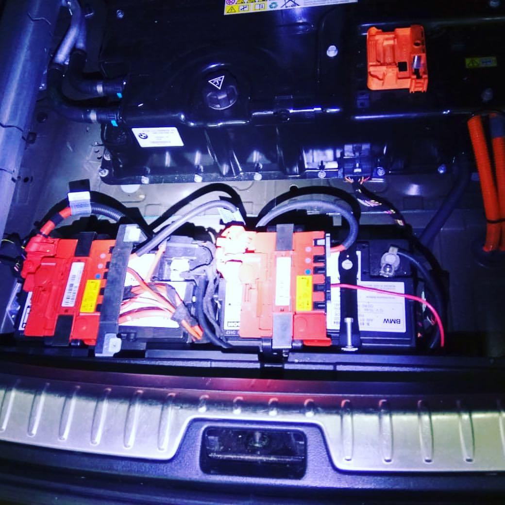 замена 2 - х 12 вольтовых аккумуляторов