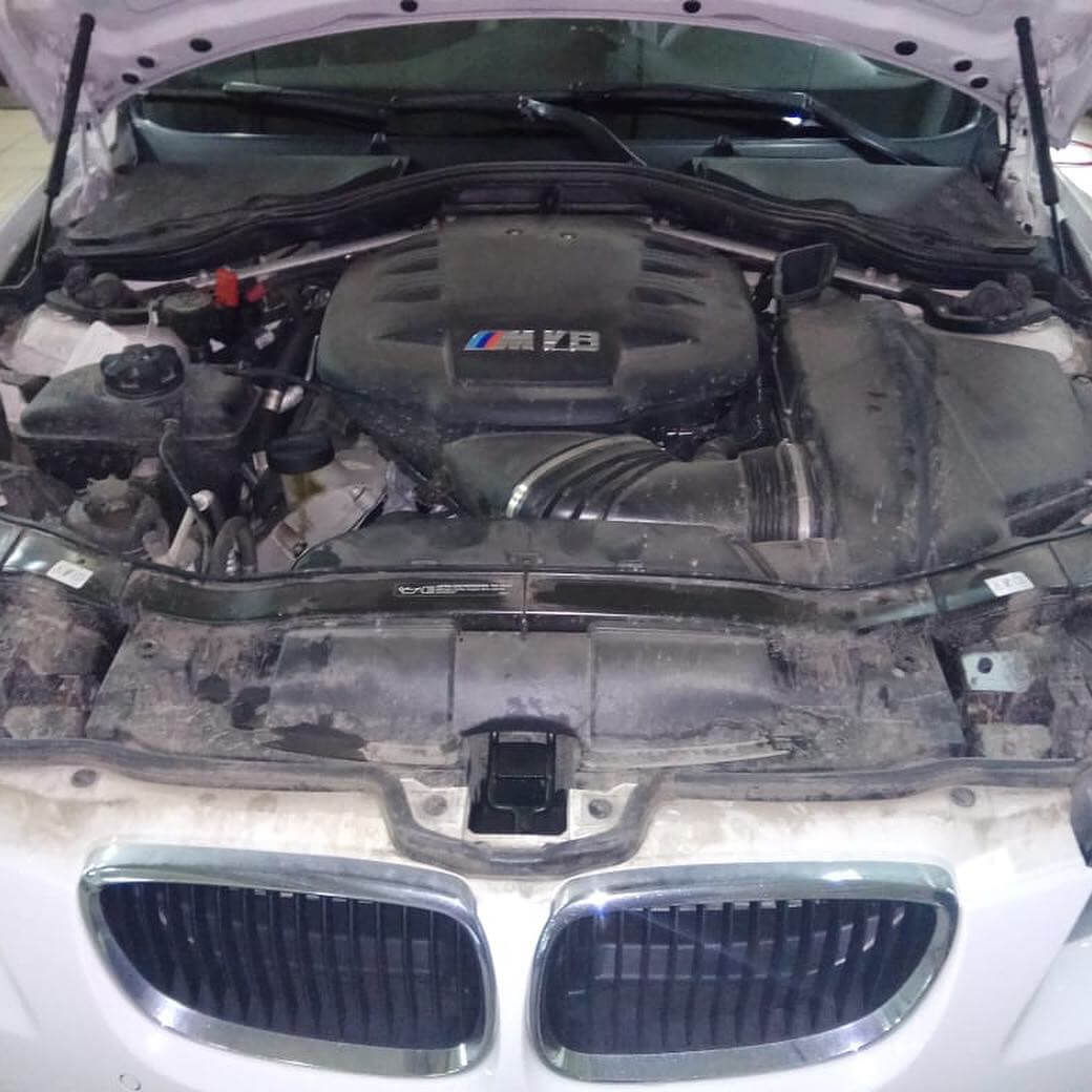 диагностика аккумулятора у BMW M3 в кузове E92