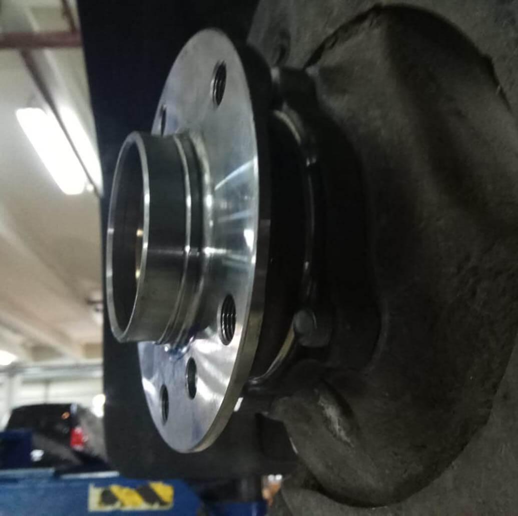 замена подшипника переднего правого колеса