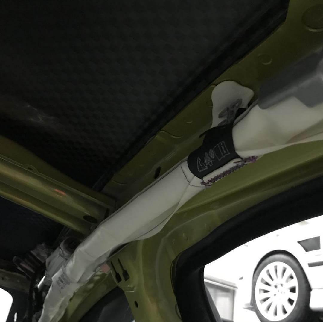 процесс замены боковых ремней безопасности на BMW M4 F32