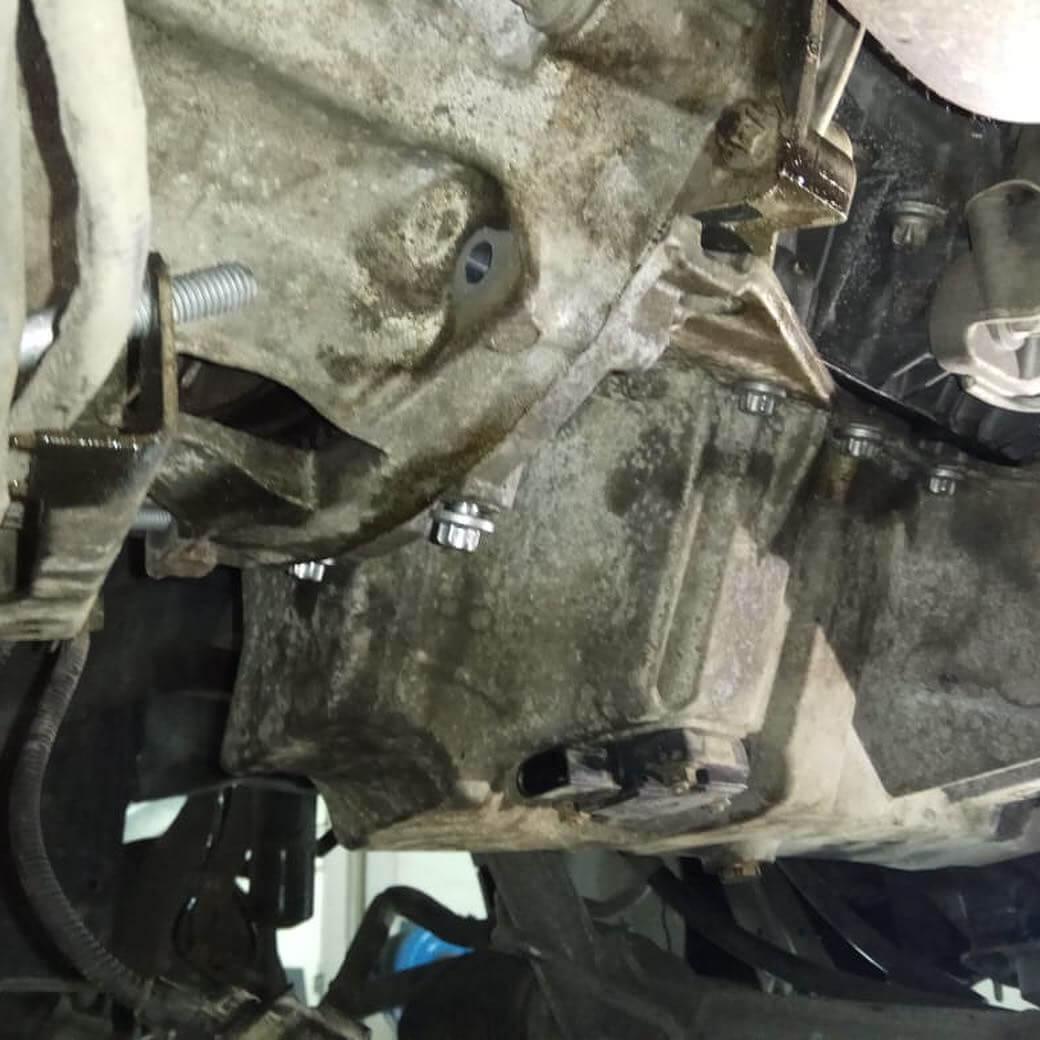 работа по замене прокладки у BMW X5 E70
