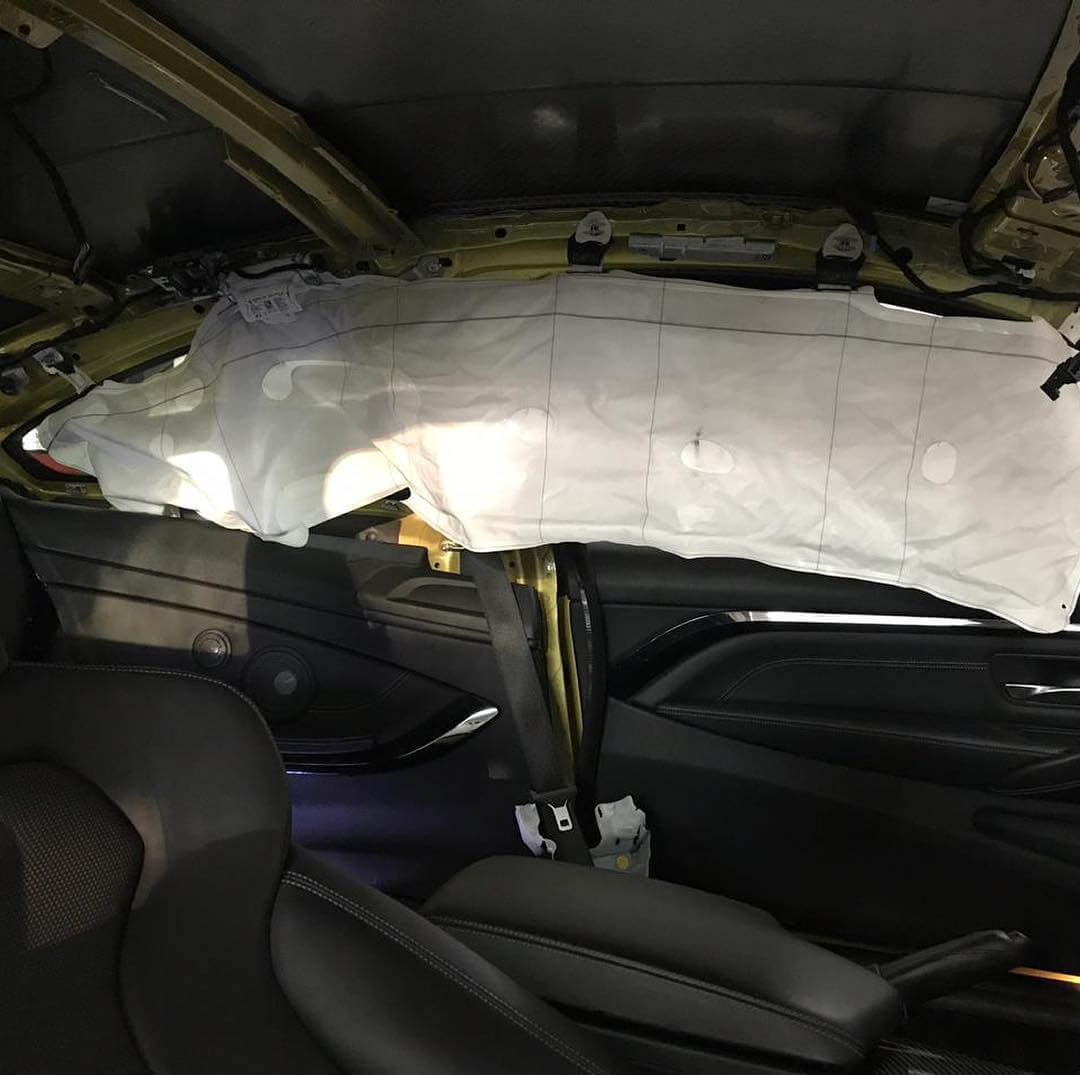 процесс замены боковых НПБ на BMW M4 F32