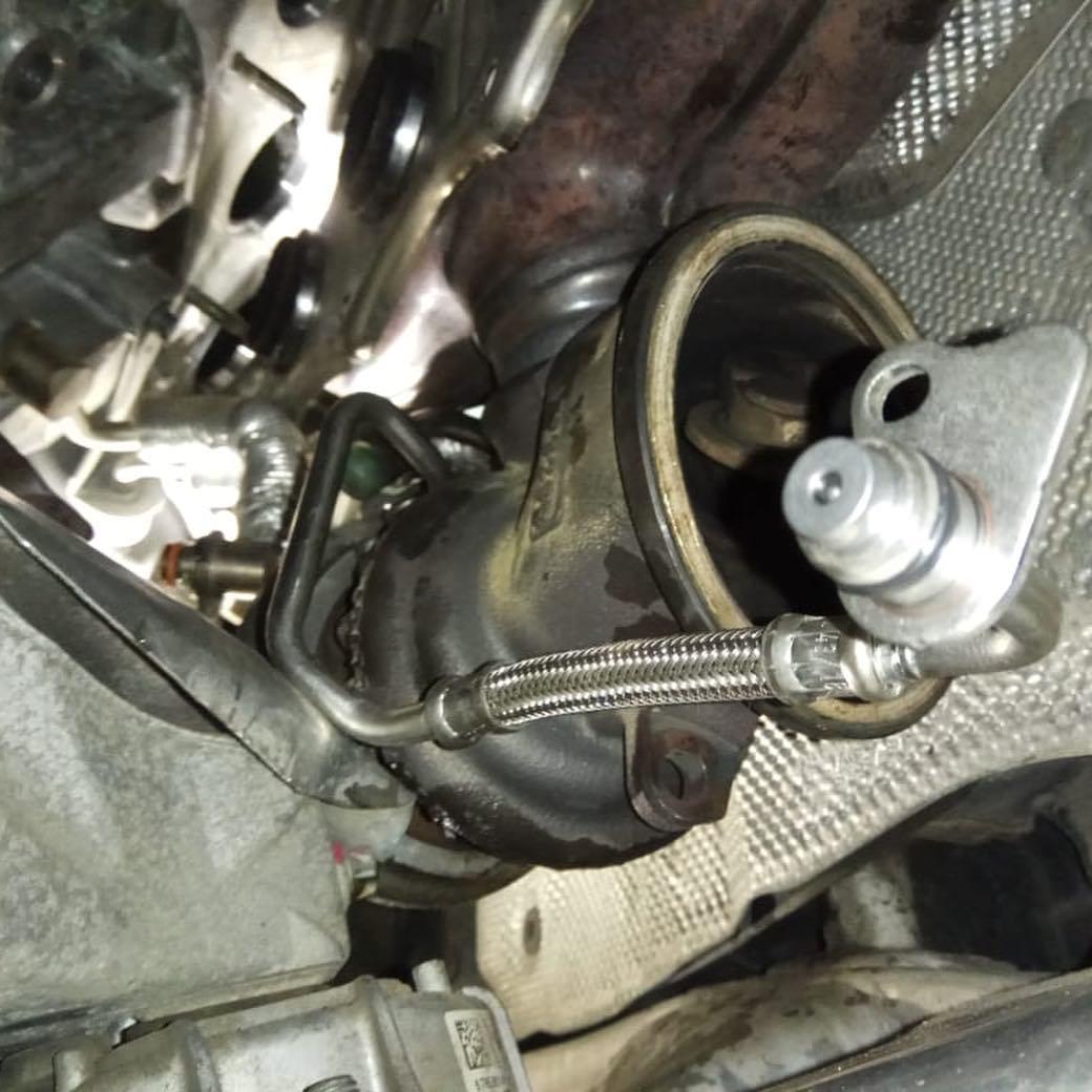 замена маслоподающего трубопровода на BMW F10 N20