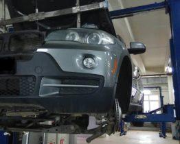 Устранение течи масла у BMW X5 E70 с двигателем N52K в техцентре ПрофиСервисКлуб.