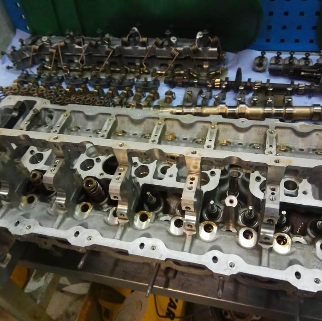 полный процесс замены изношенных деталей двигателя