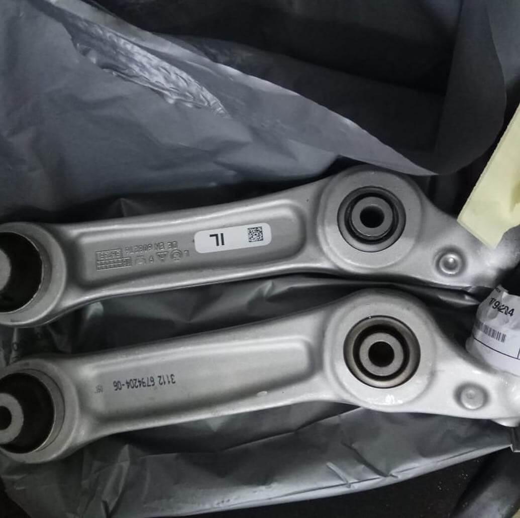 замена поперечных рычагов BMW 640i в кузове F13