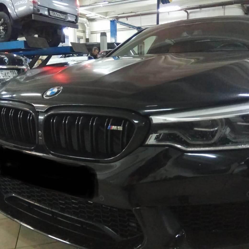 BMW M5 F90 с пробегом около 10 тыс. км.