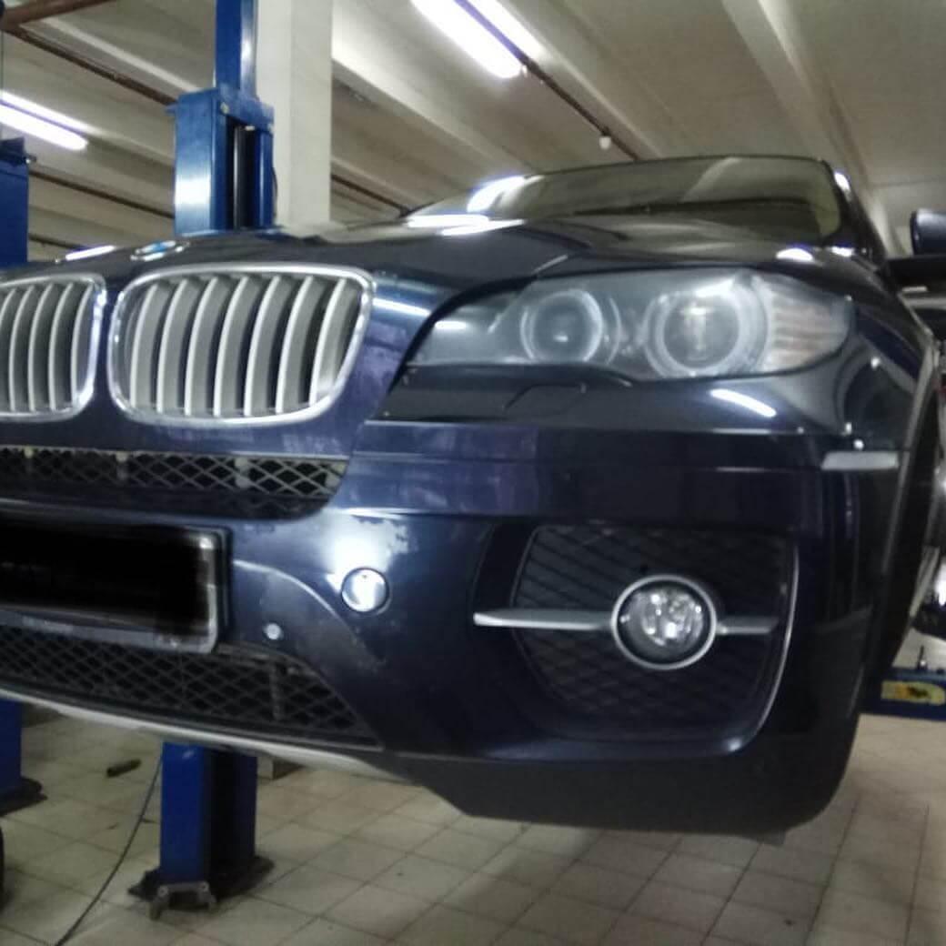 демонтаж форсунки 1-ого цилиндра на BMW N63
