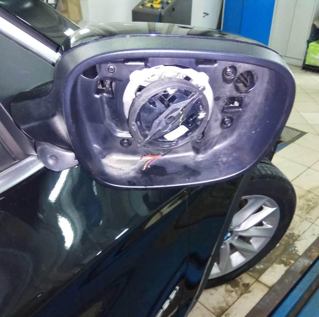 варварское снятие зеркальных элементов у BMW X3