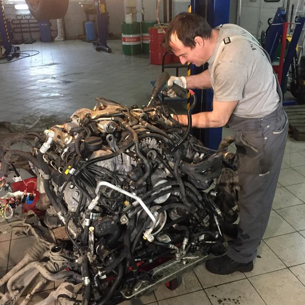 Разборка двигателя N63 BMW X6
