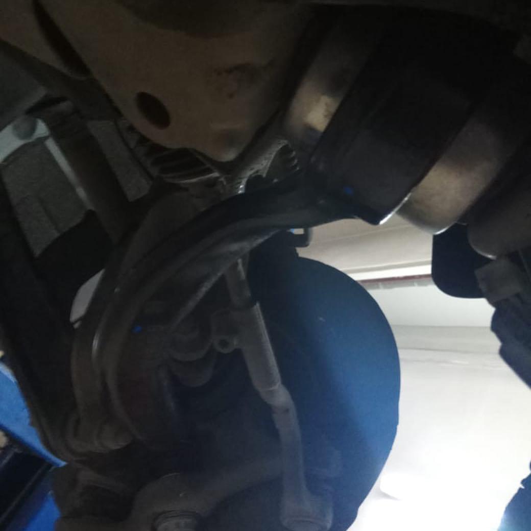 Замена продольных тяг передней подвески BMW X5 F15