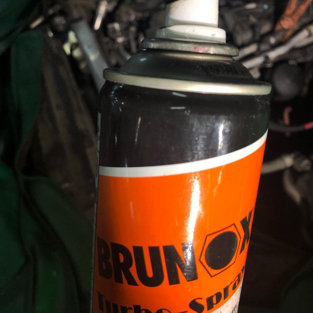 Спрей для резьбы BRUNOX для свечей накаливания BMW
