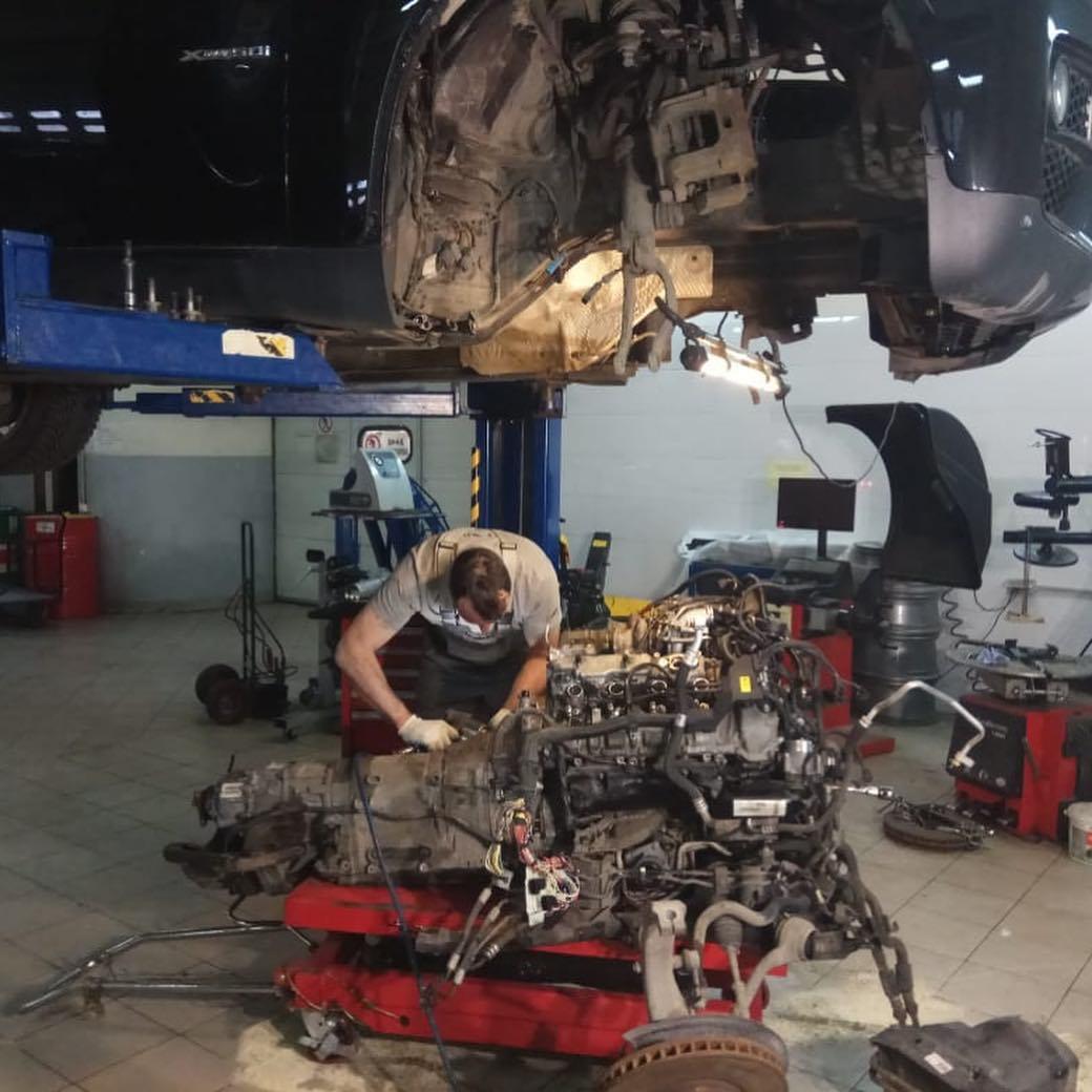 Установка мотора N63 на БМВ