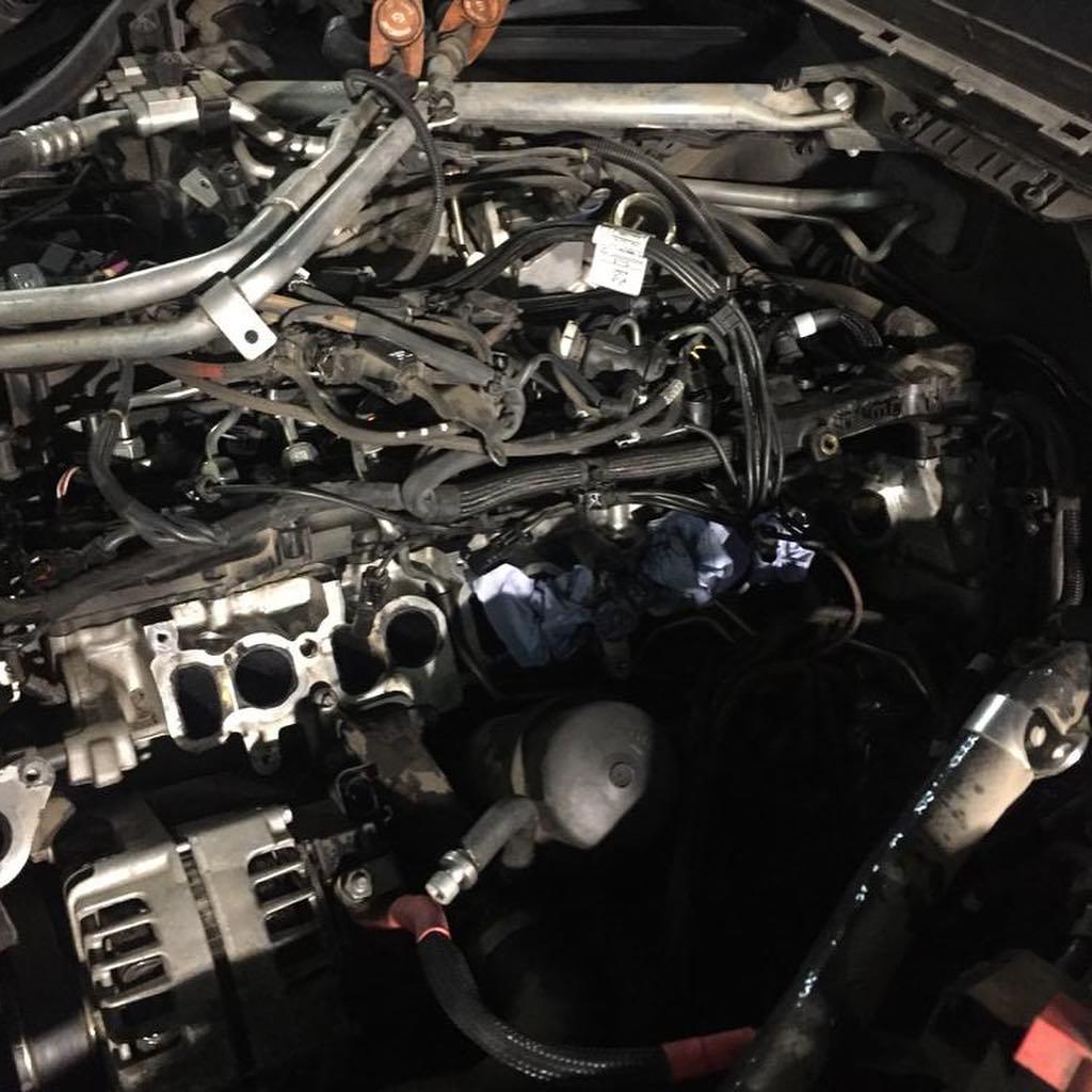 Демонтаж свечей накаливания на BMW X6M