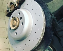 Замена тормозных дисков на BMW 5