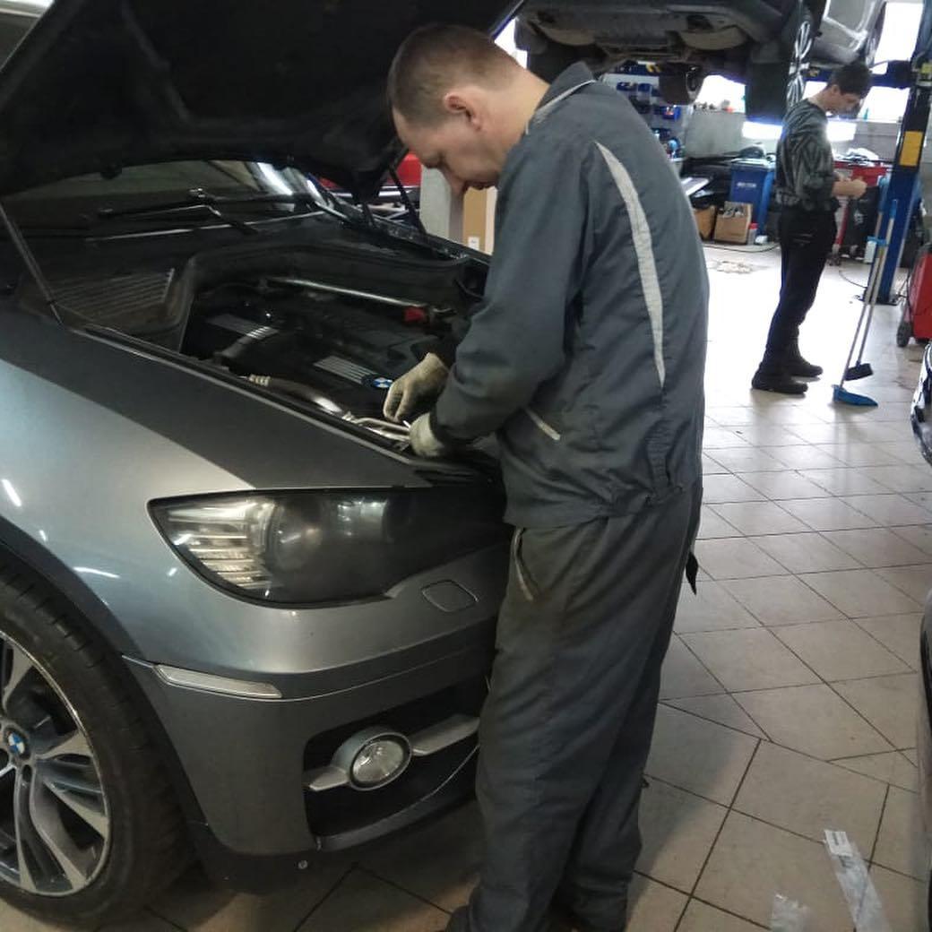 Ремонт капота на BMW X6e71