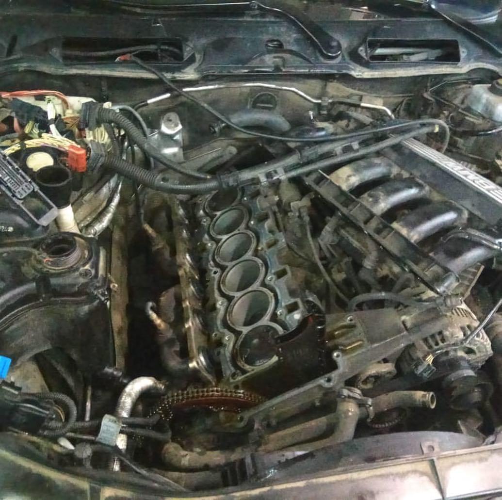 замена не работающих клапанов вентиляции в клапанной крышке на N52K БМВ е90