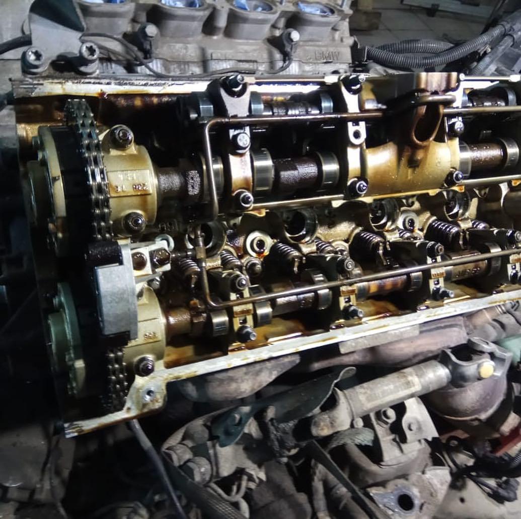 Замена трубки охлаждения с демонтажом мотора на BMW X5