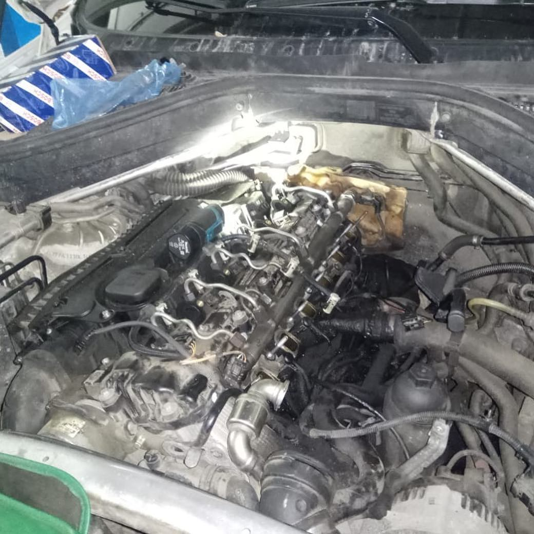 Как устарнить течь насла на BMW X6 E71