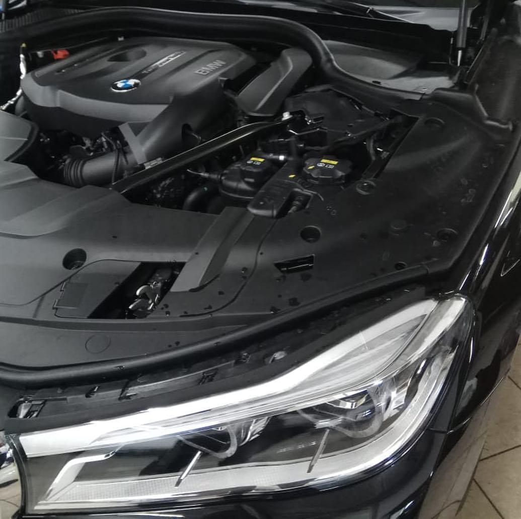 Укрепление ЛКП капота BMW 7 G11