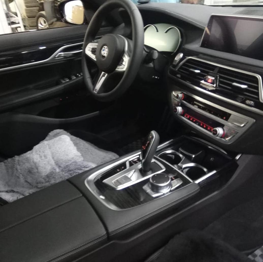 Защита ЛКП от сколов и царапин на BMW 7