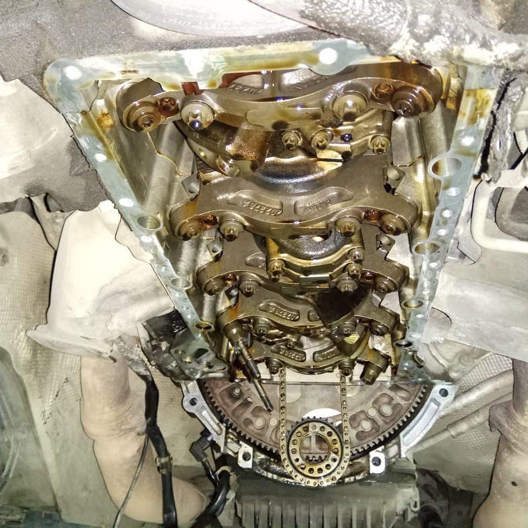 Ремонт двигателя с заменой поддона на БМВ Х6М Е71