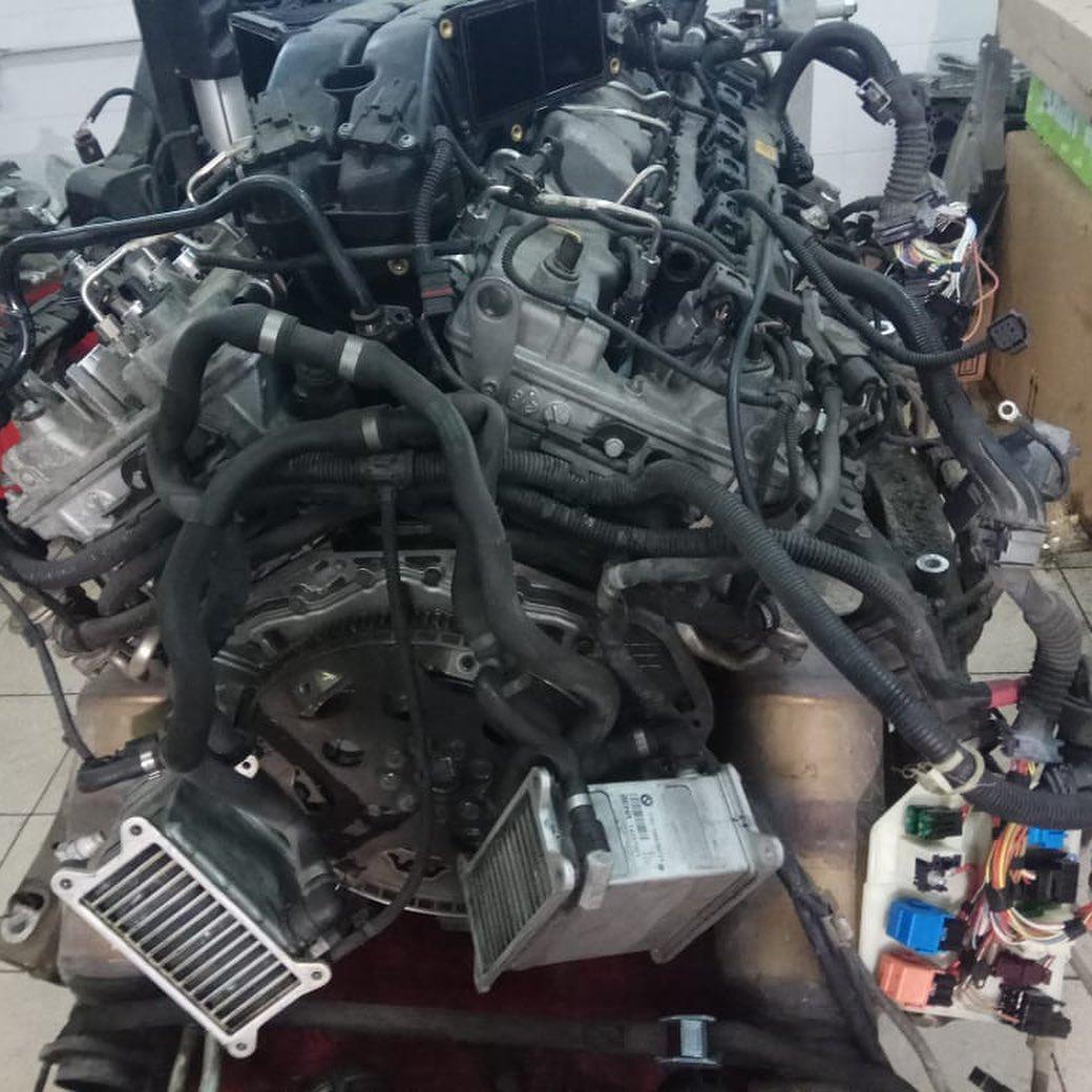 Ремнт двигателя БМВ 760 N74B60.