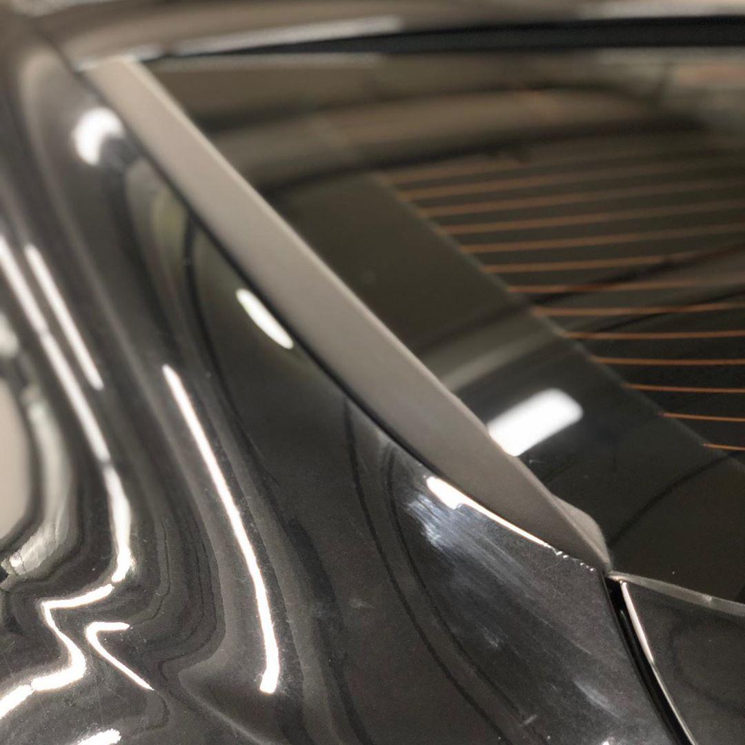 Установка накладок на заднее стекло на БМВ Х6 Е71