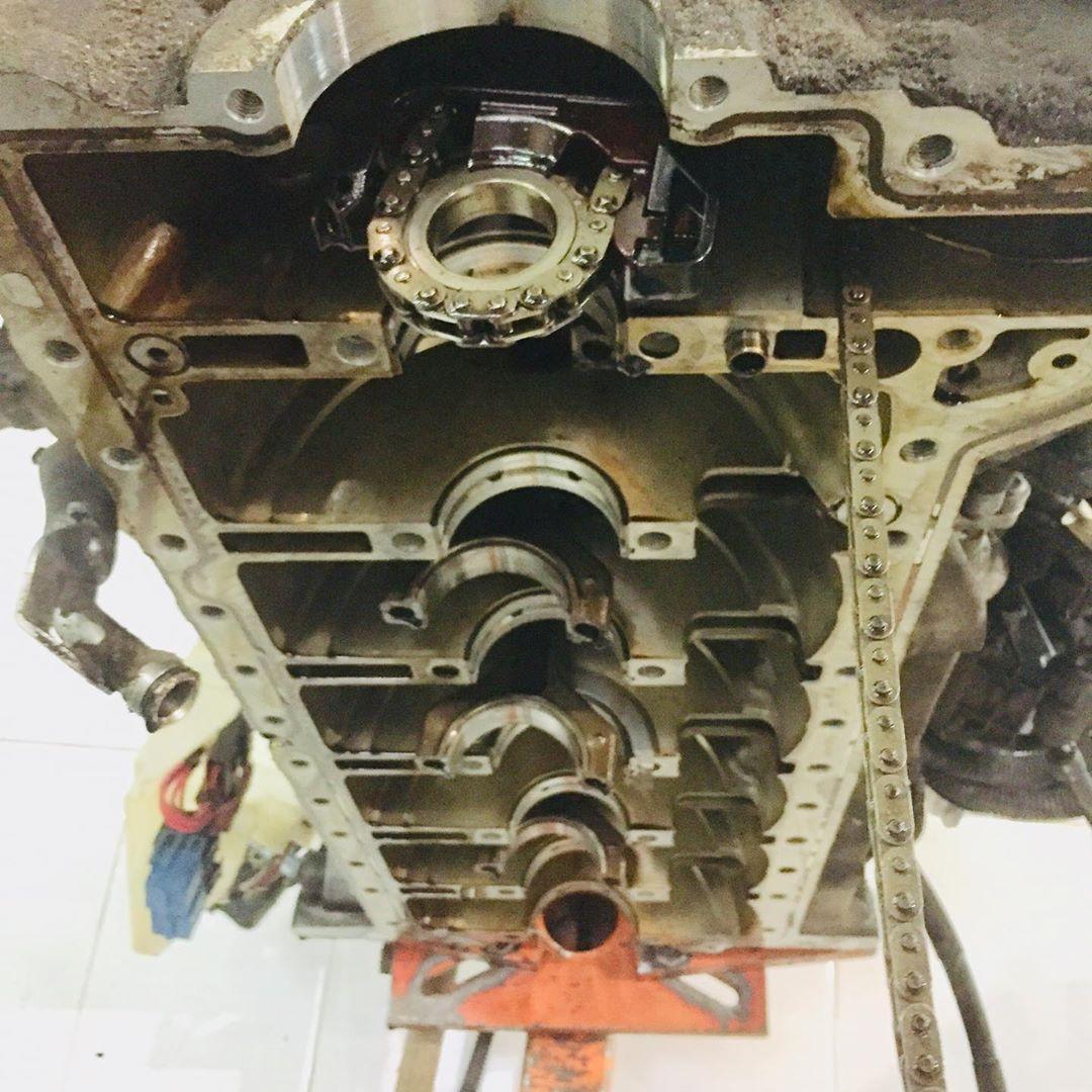 Замена коленчатого вала на моторе БМВ