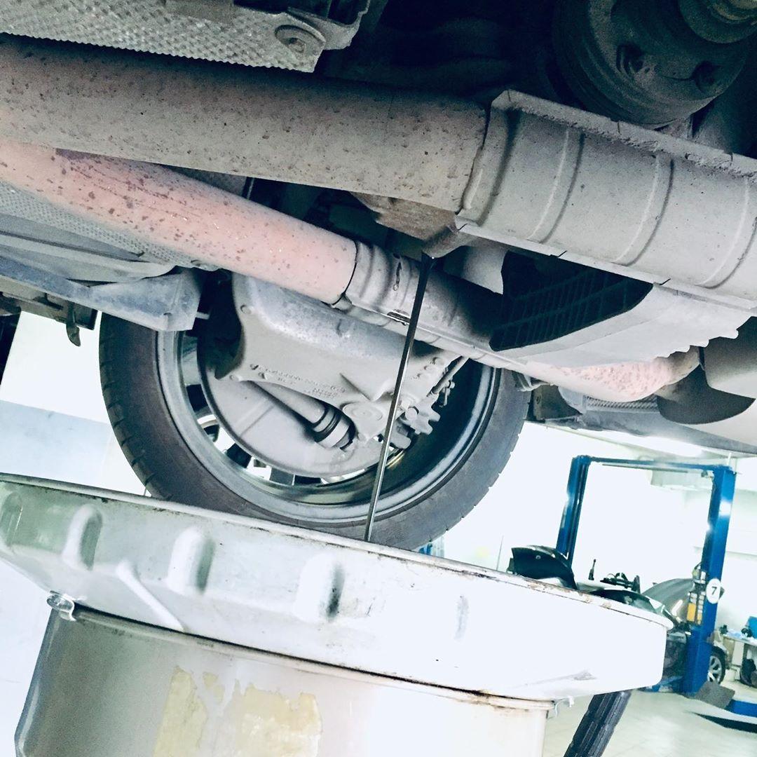 Замена масла в заднем редукторе на БМВ М5 Е60