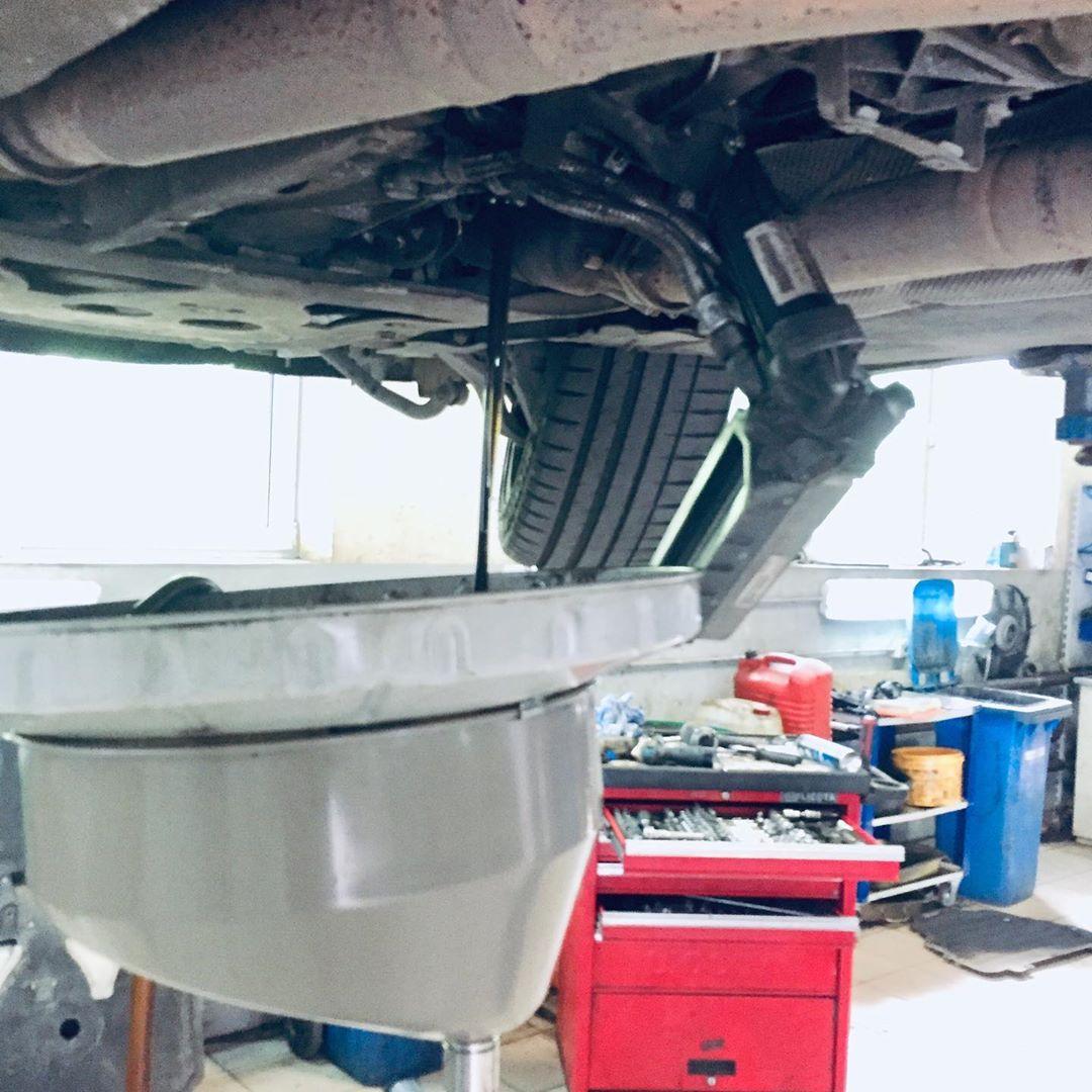 Замена масла в коробке в БМВ Е60