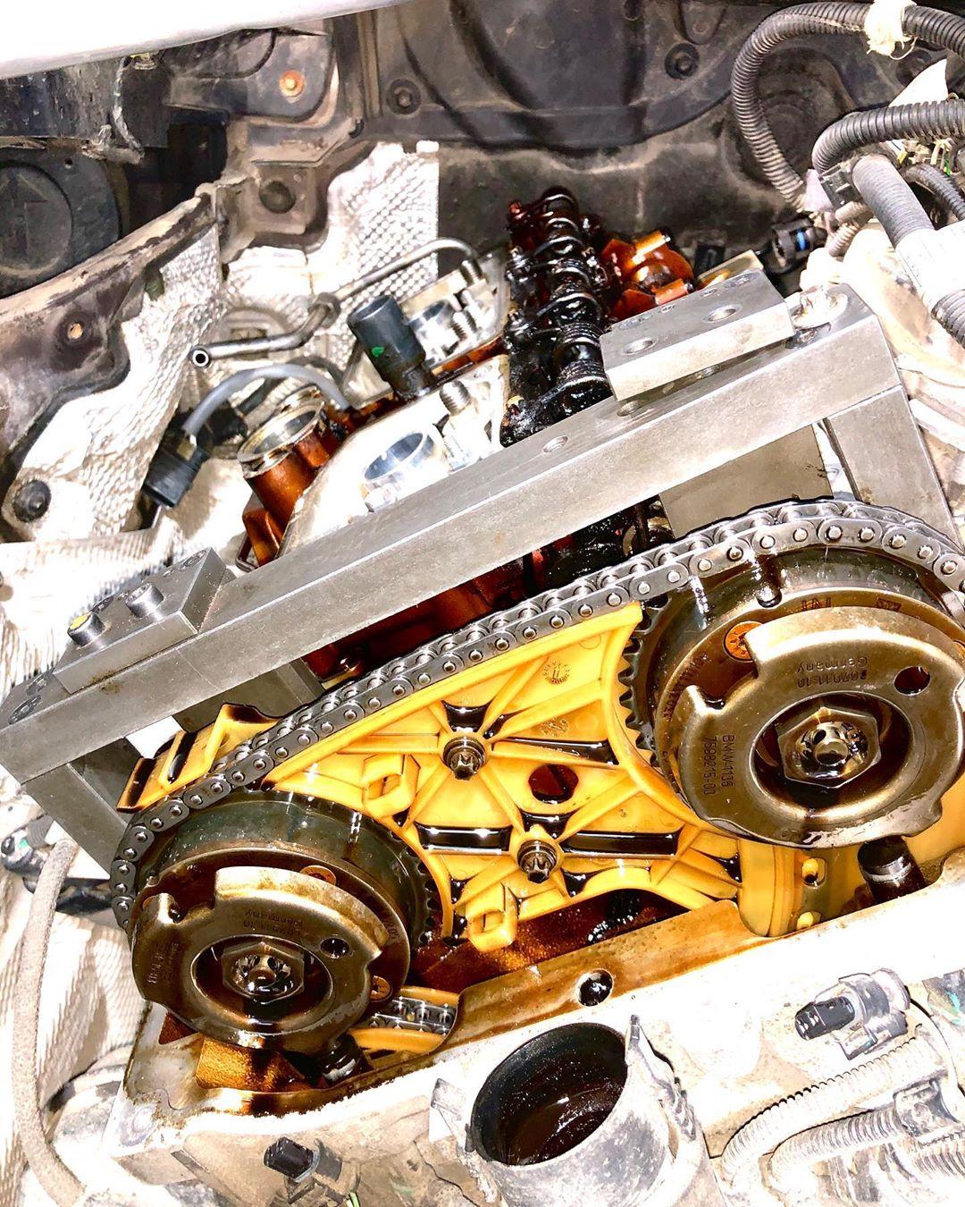 Ремонт мотора на БМВ Х3