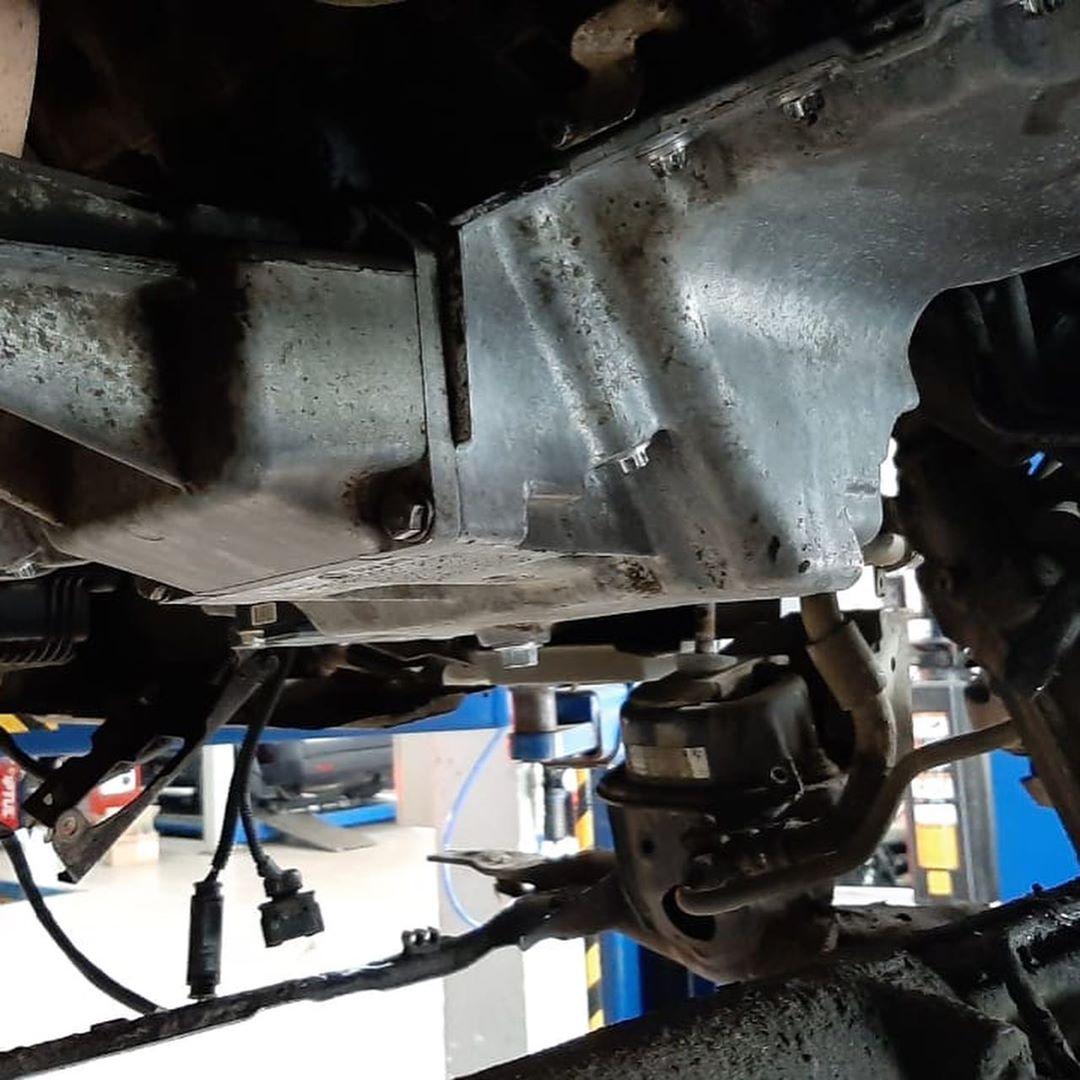 N54 BMW X6 устраняем течь масла