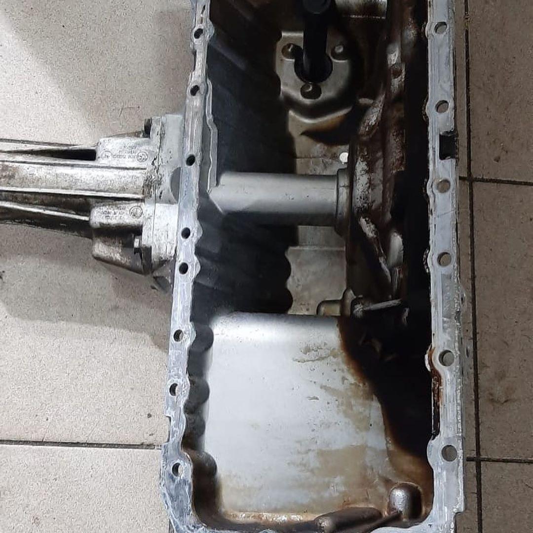 замена прокладки картера двигателя N54